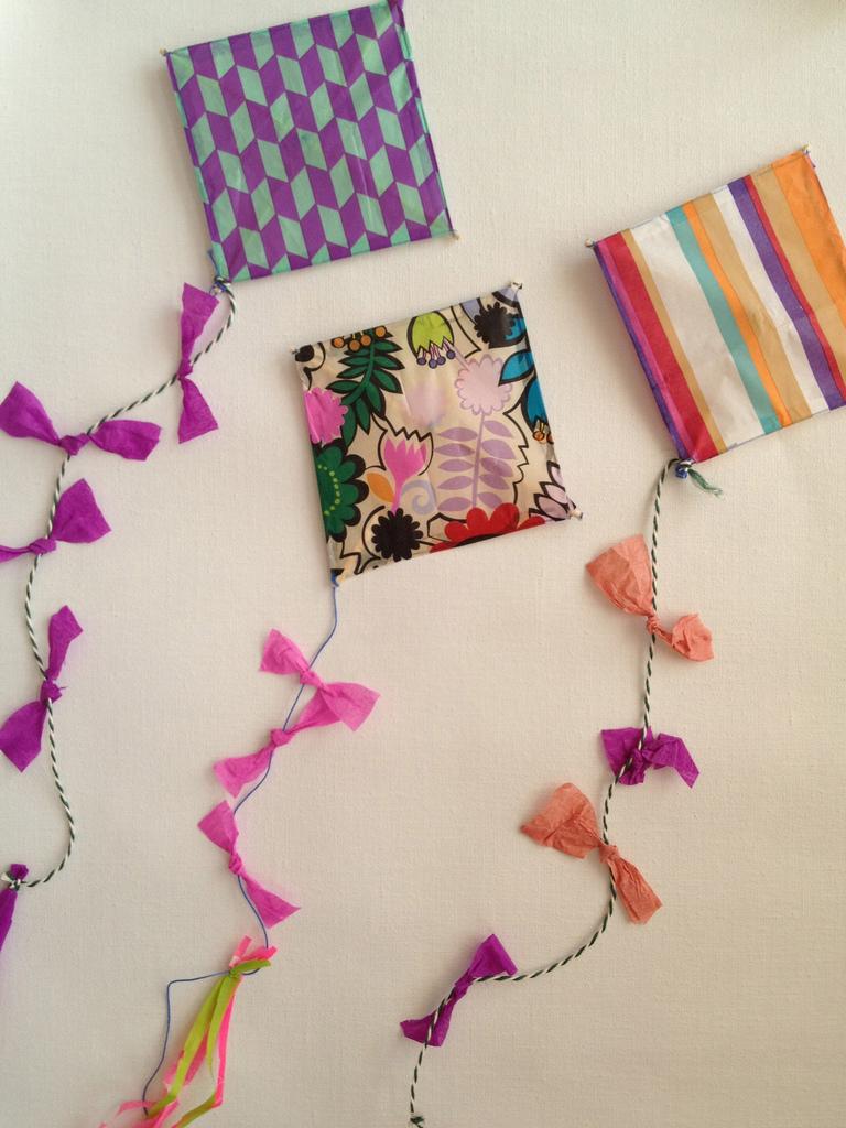 Summer kites diy paul paula for Decoration kite
