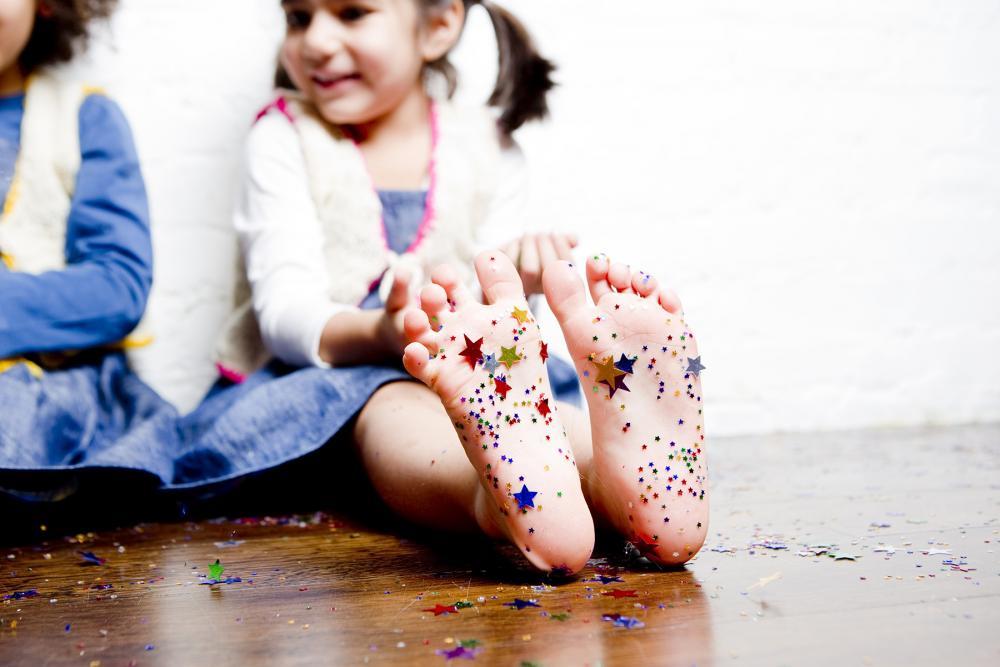 confetti feet