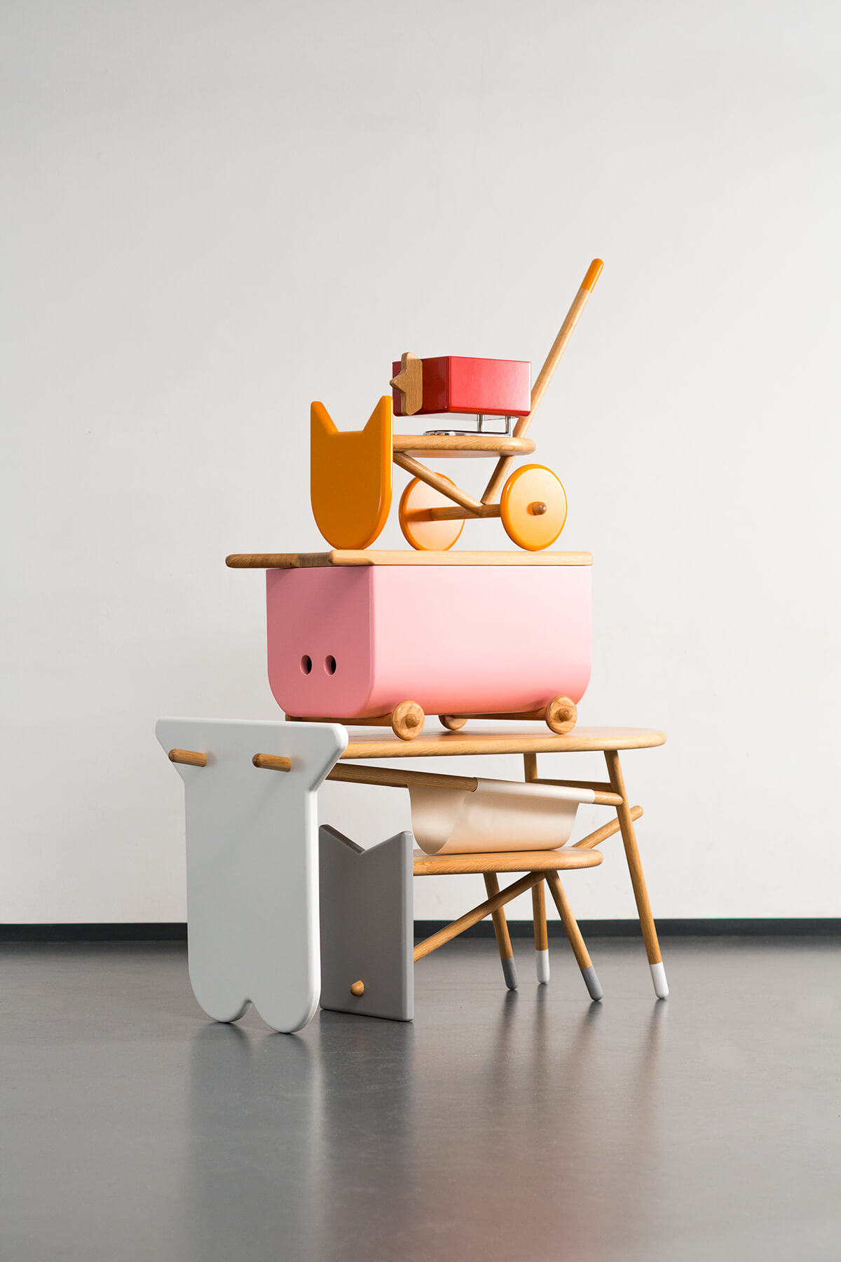 Avlia children's furniture in the shapes of farm animals