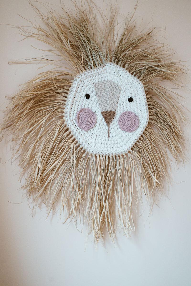 ila y ela crochet lion