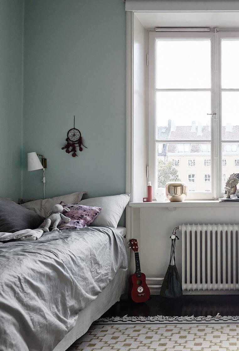 kids bedroom blue walls