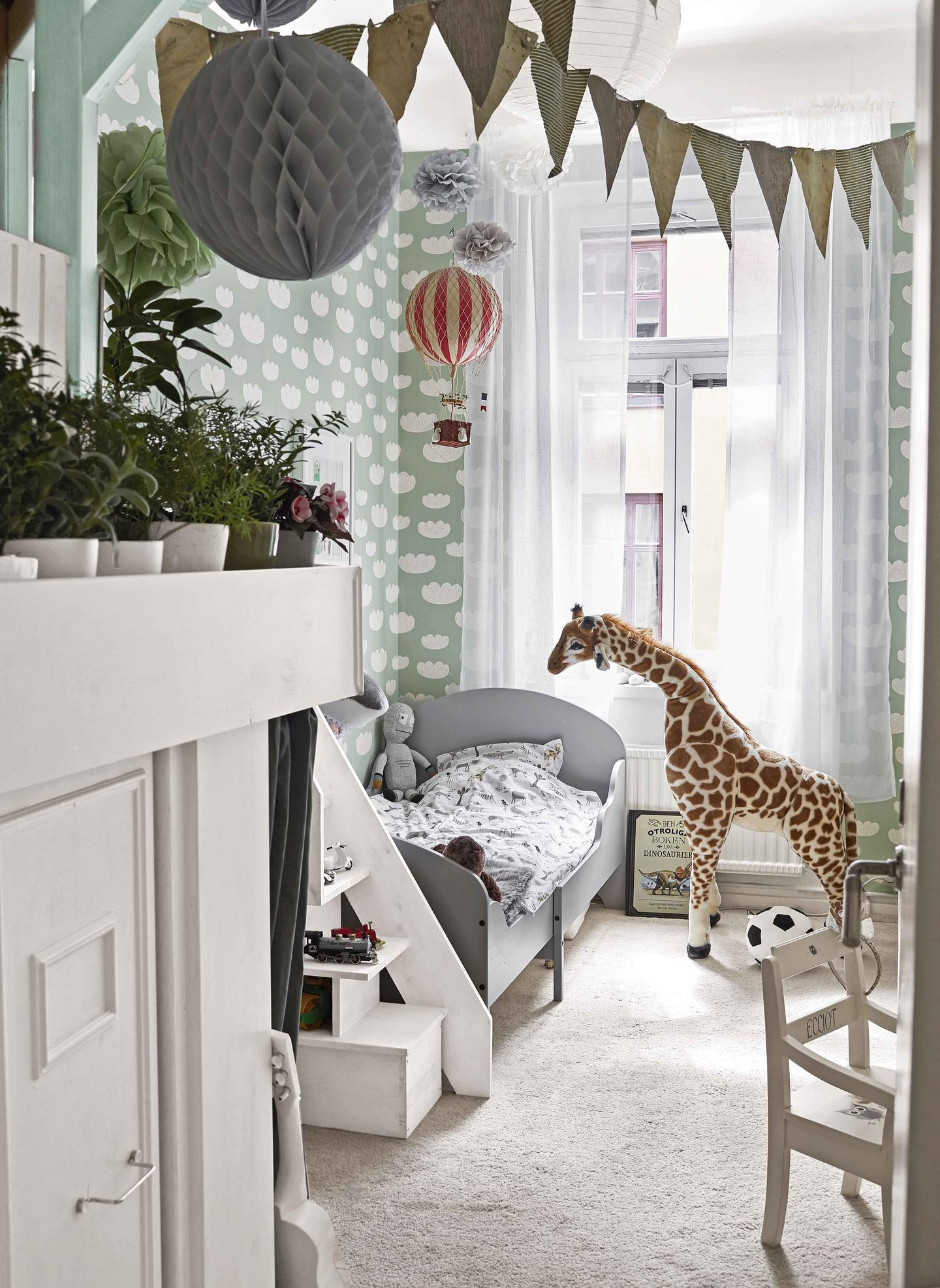 Swedish dream home with a chalet in the children's room