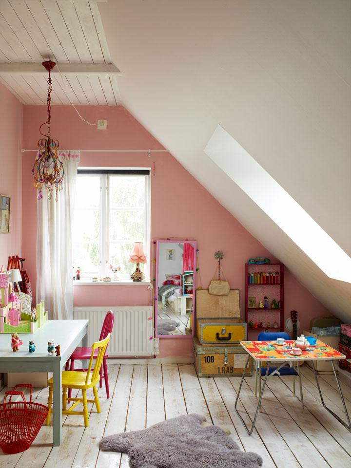 attic kids room pink