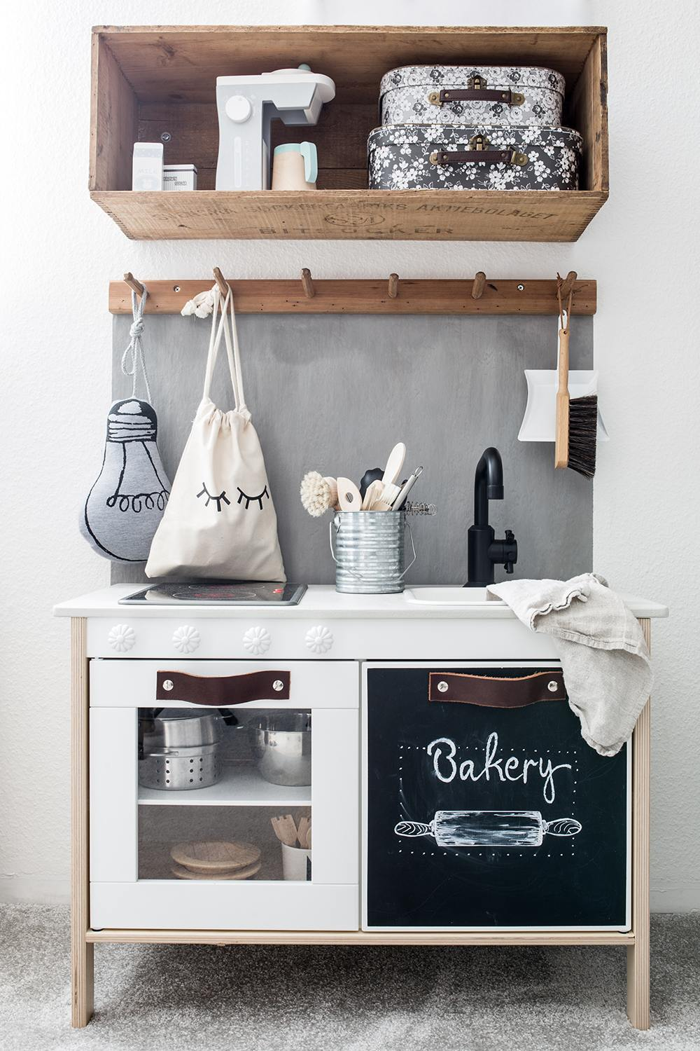 ikea duktig play kitchen DIY makeover