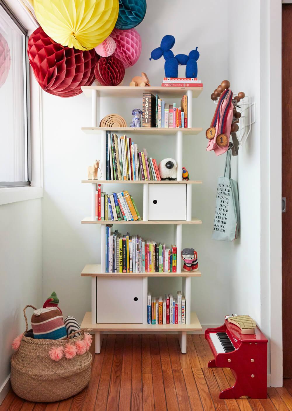 oeuf bookshelf