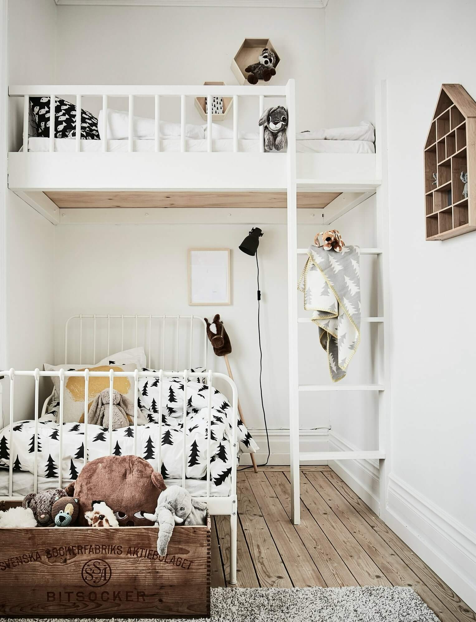 small shared kids room