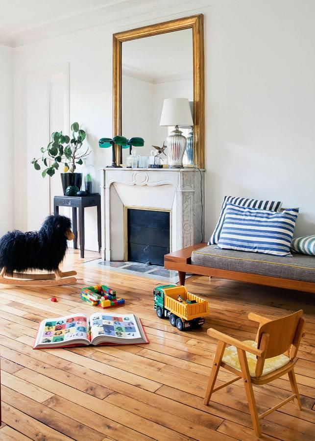 family apartment in Paris