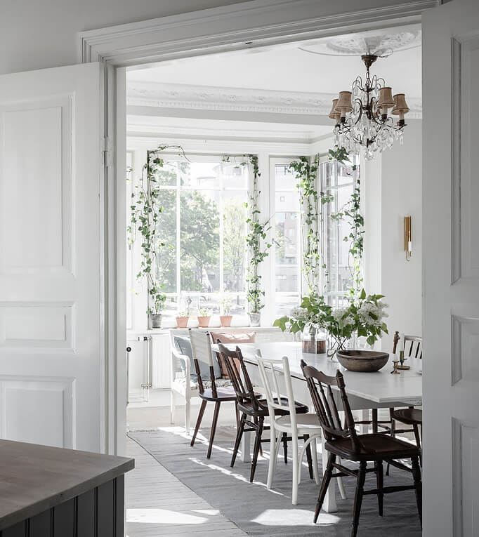 A lush and light filled family space in Gothenburg! 8
