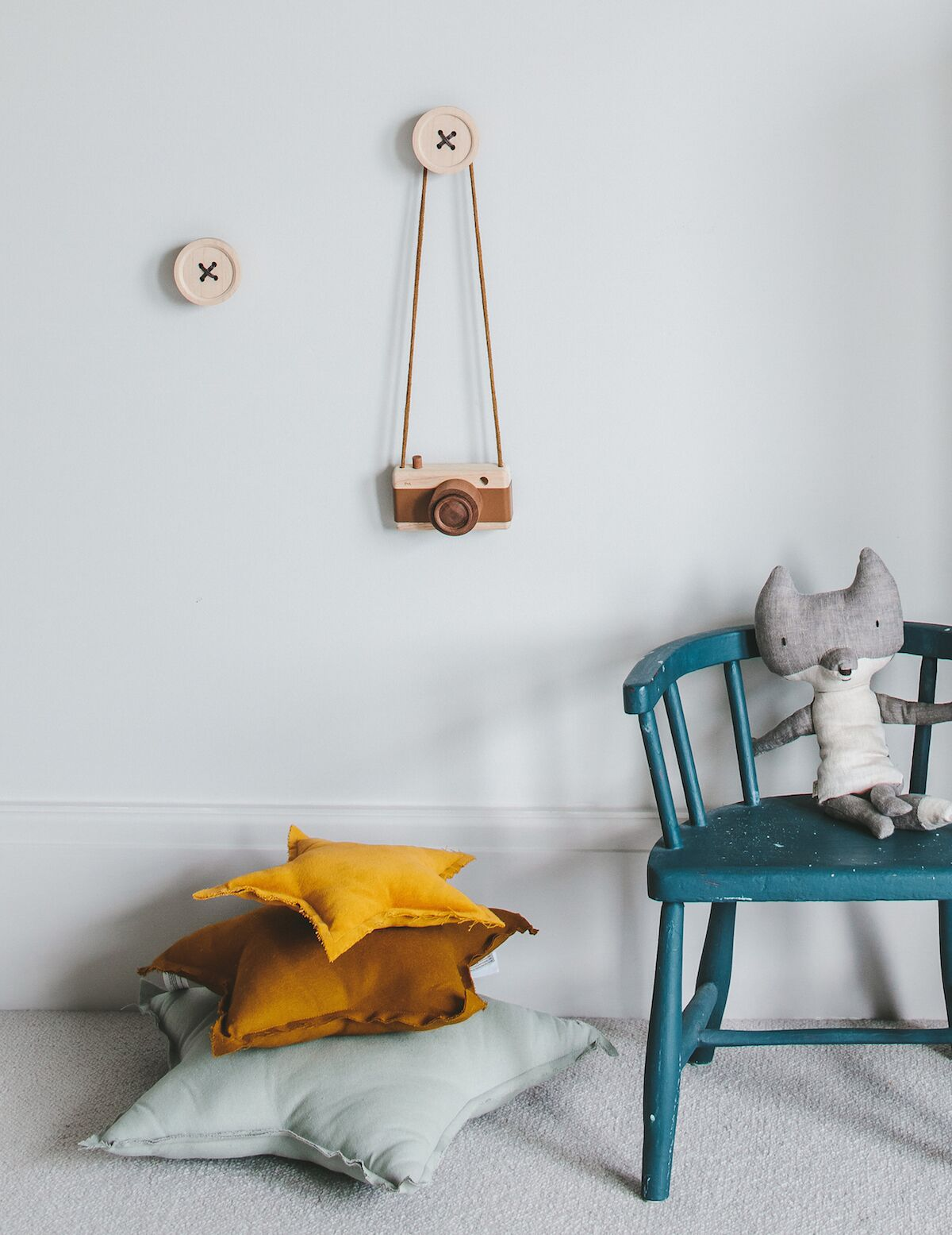 enchanting boy's room in grey and yellow 8