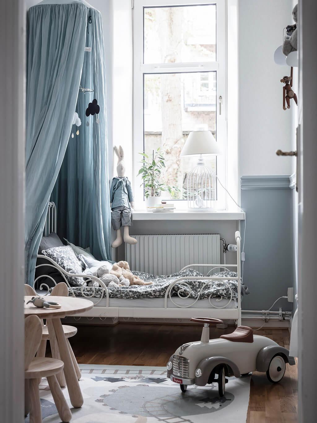 Delightful grey blue children's room