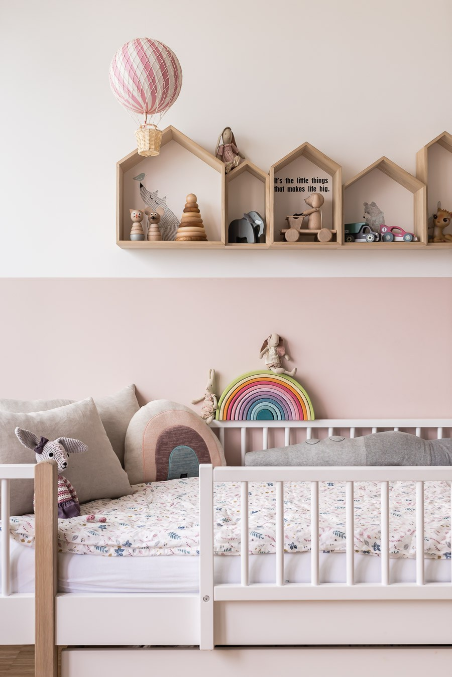 pink children's room
