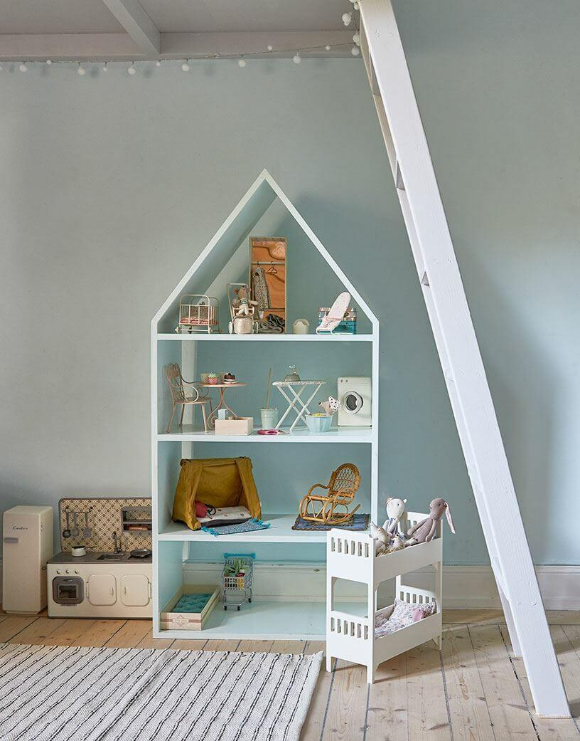 Vintage home with colourful accents 7
