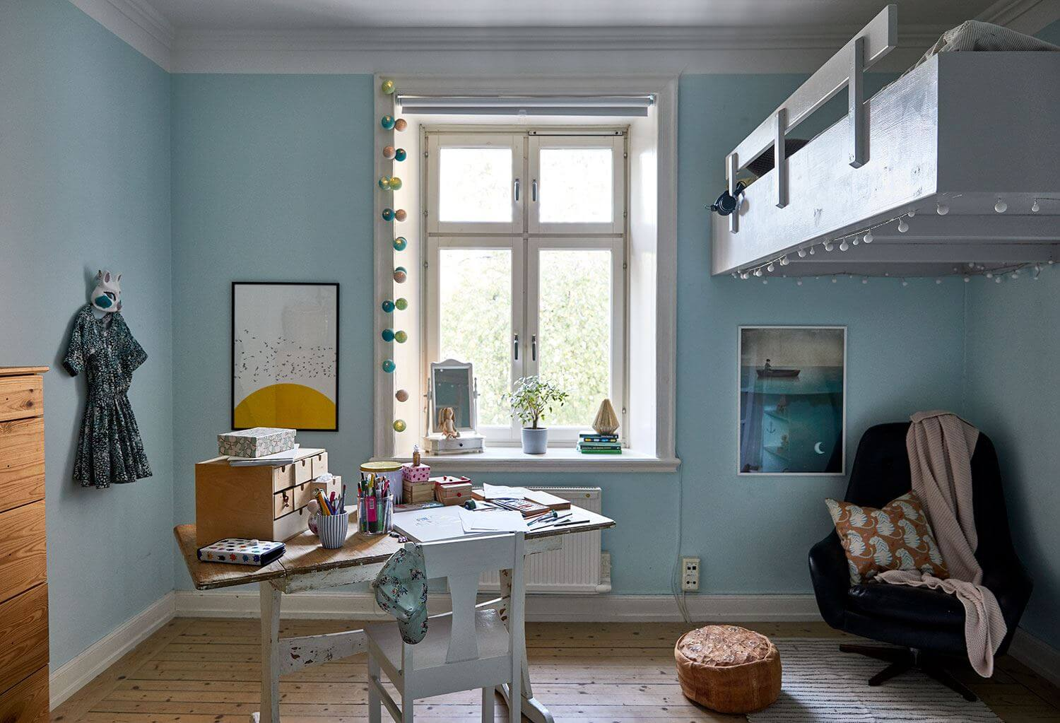 Vintage home with colourful accents
