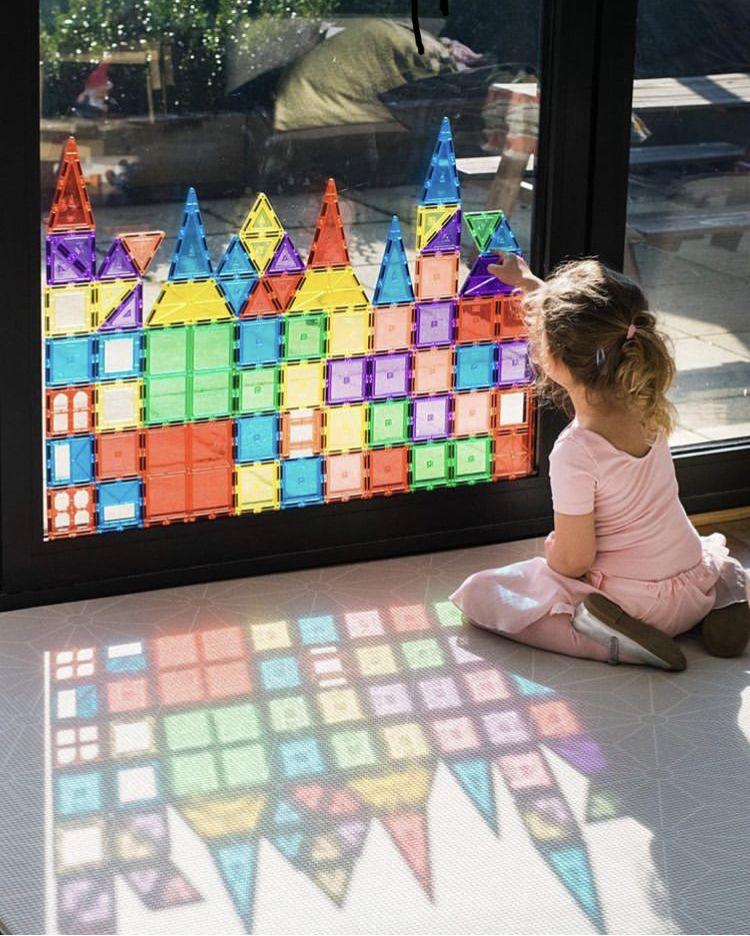 magna tiles window