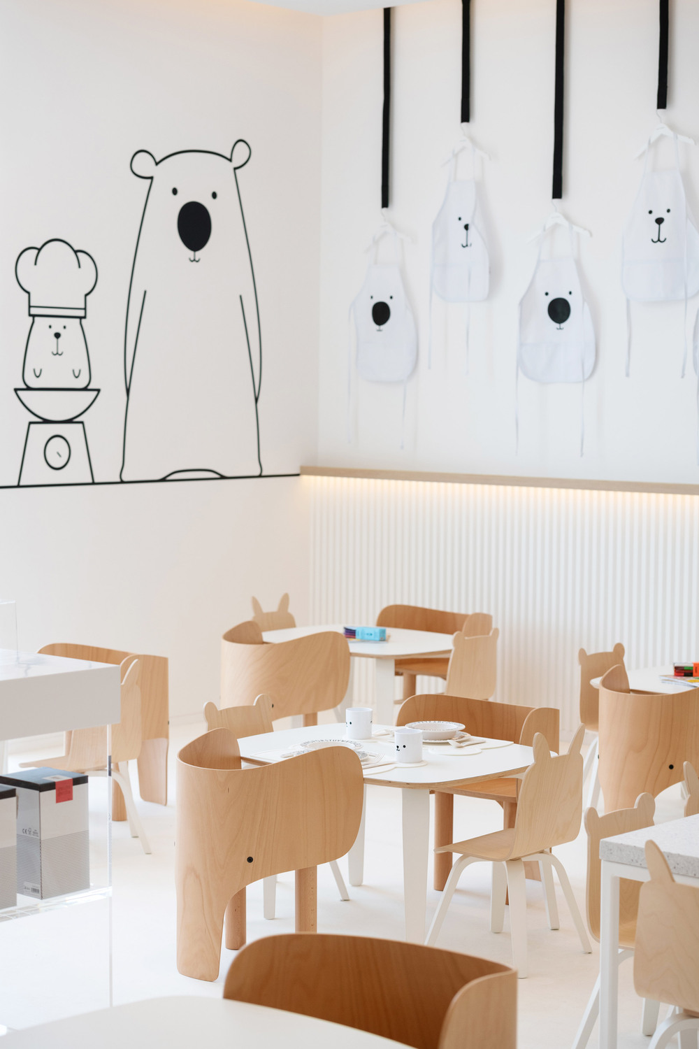 white-the-bear-restaurant-