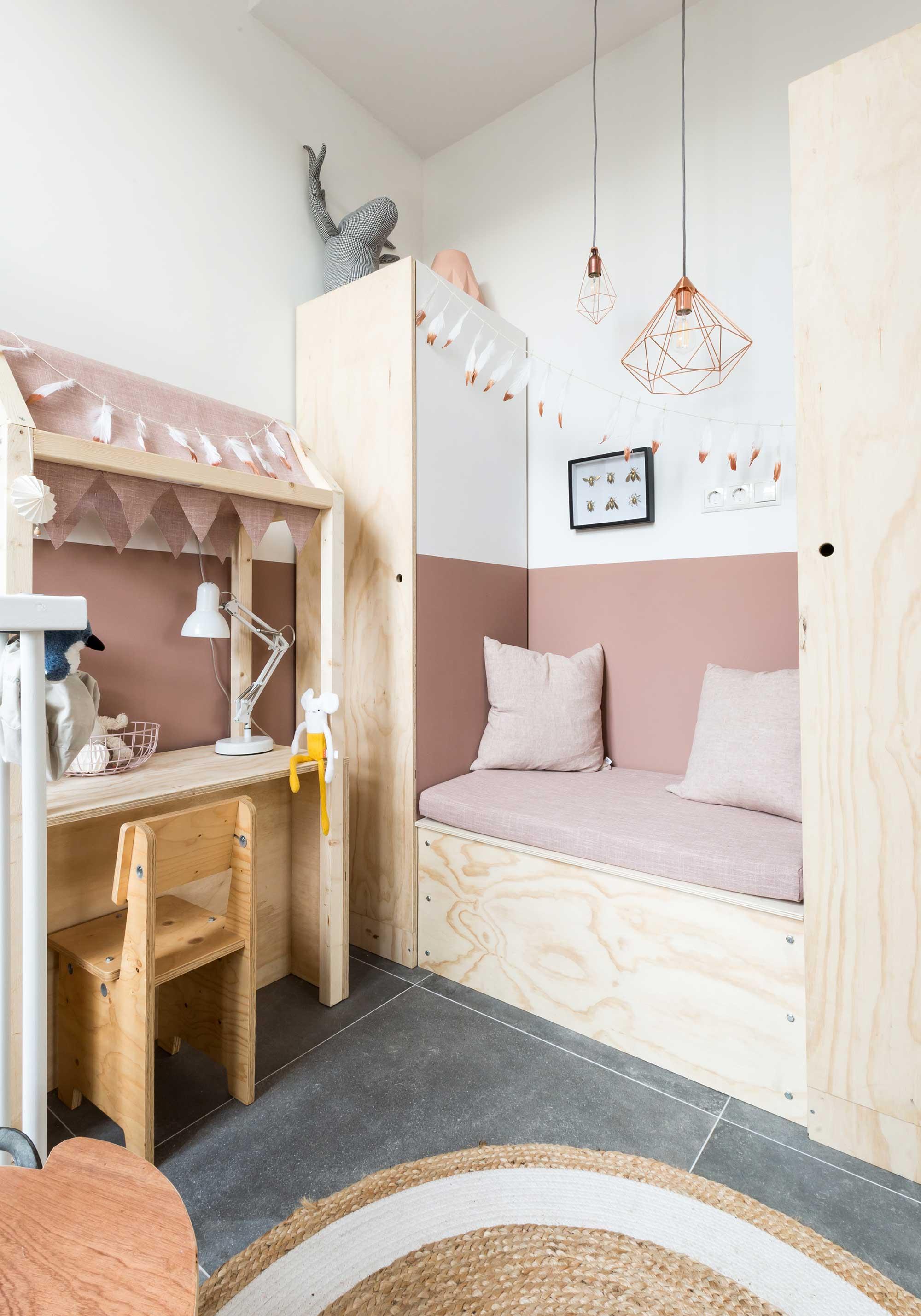 colourblock wall kids room pink